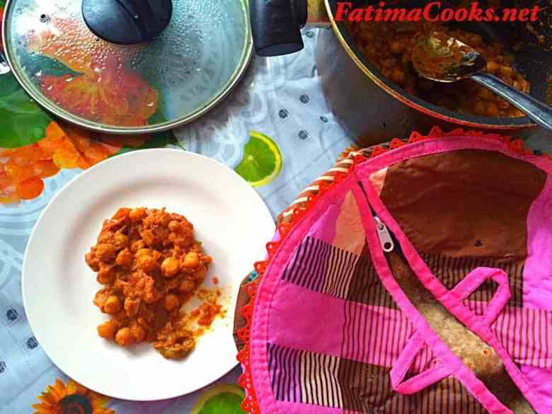 Punjabi Cholay - Spicy Chickpea Curry @ fatimacooks.net