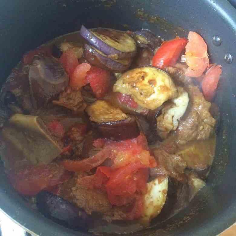 Baingan Gosht - Aubergine and Lamb Curry - Fatima Cooks