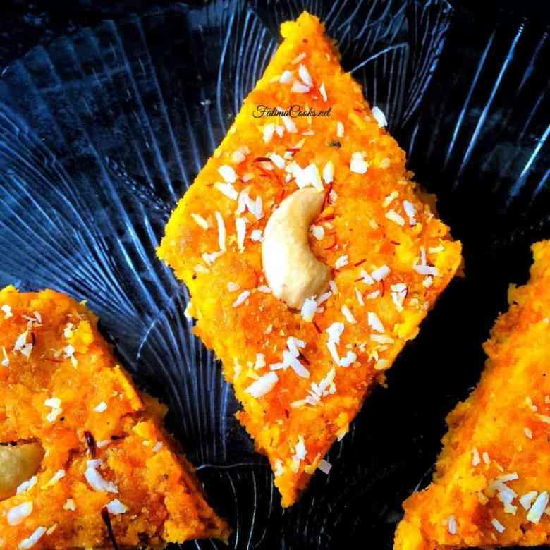 Recipe in Urdu - Gajar Ki Barfi - Indian/Pakistani Carot Fudge