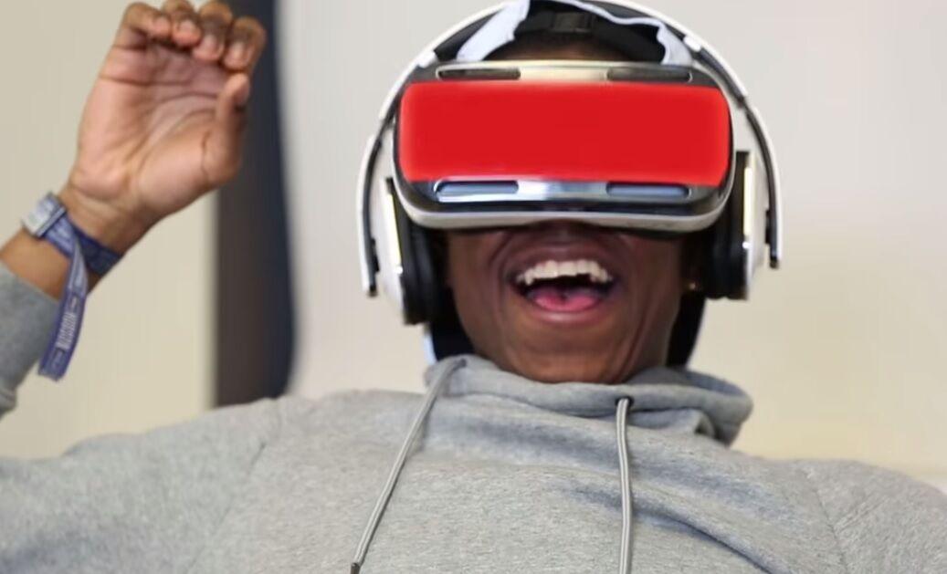 Veja a reação de pessoas que viram pornografia em óculos de realidade virtual