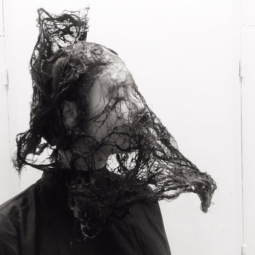 @juliendys-incredible-hair-veil-creations-for-@commedesgarconsofficial-AW15-PFW-regram-@juliendys