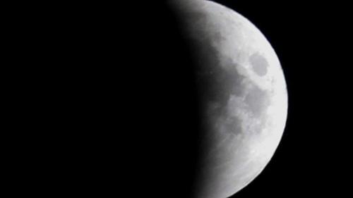 eclipse-lua-paquistao-20110615-02-size-620