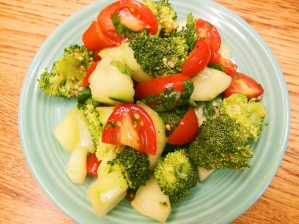 Broccoli-tomato-cucumber-cilantro-salad