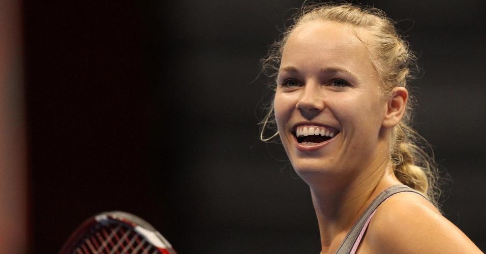 07dez2012-caroline-wozniacki-sorri-durante-partida-contra-sharapova-pelo-desafio-internacional-de-tenis-em-sao-paulo-1354923436645_956x500