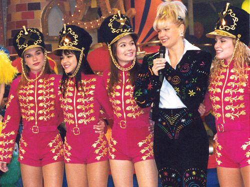 Já se passaram 20 anos, veja como estão as Paquitas da Xuxa hoje em dia