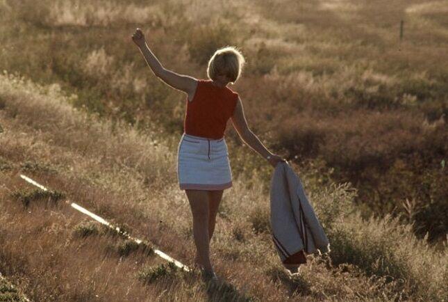 É assim que as pessoas se vestiam para ir à aula nos anos 60