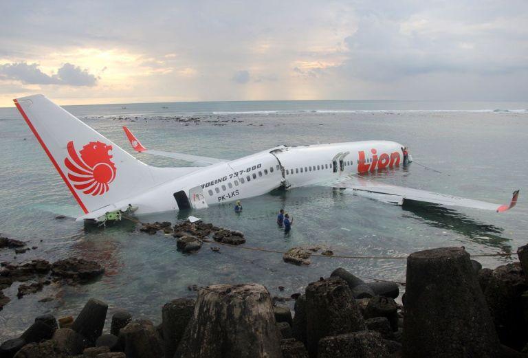 Como sobreviver a um acidente de avião?