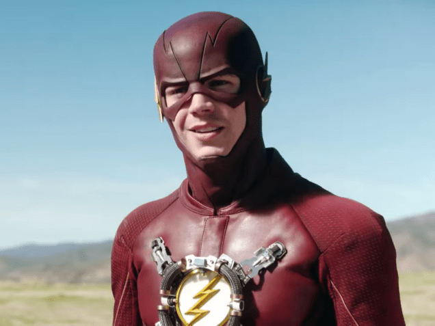 why-the-actor-playing-the-flash-in-batman-v-superman-is-different-from-the-one-fans-love