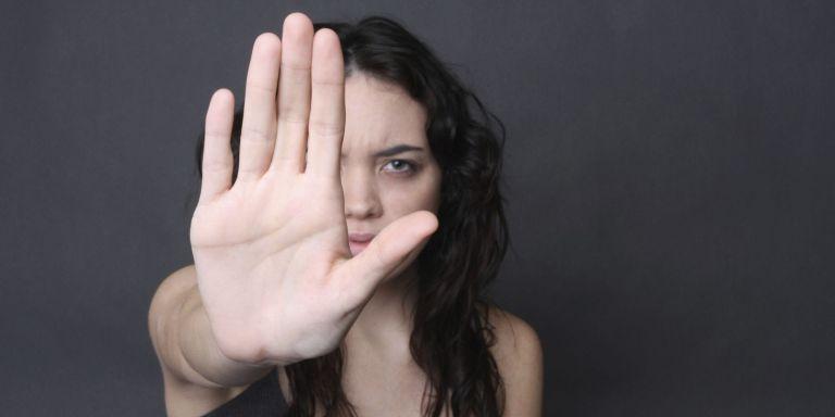 8 dicas para se livrar da pessoa que não sai do seu pé