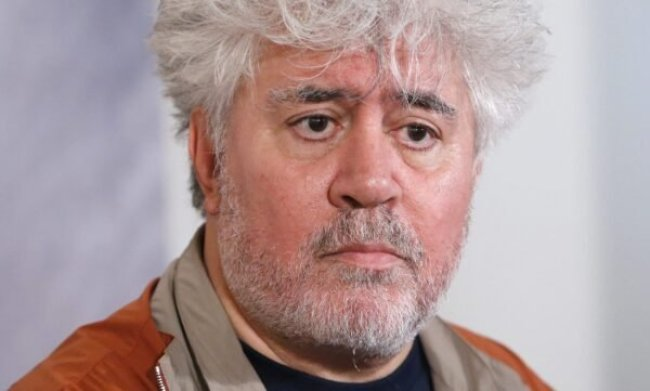HOR102. Lyon (France), 18/10/2014.- Spanish film maker Pedro Almodovar attends a press conference after receiving the Lumiere Award during the 'Lumiere 2014 Grand Lyon Film Festival', in Lyon, France, 18 October 2014. The event runs from 13 to 19 October. (Francia, Francia, Cine) EFE/EPA/GUILLAUME HORCAJUELO