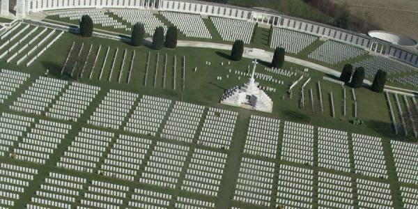 tyne-cot-cemetery-2-c-visit-flanders