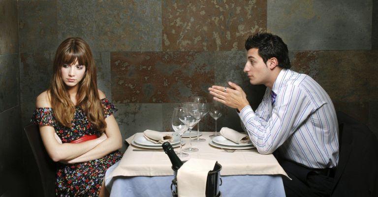 7 coisas que você não deve dizer a ela no primeiro encontro