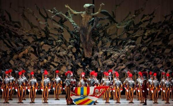 One of 38 new Swiss Guard recruits is sworn in during a ceremony in Paul VI hall at the Vatican May 6. New recruits are sworn in every year on May 6, commemorating the date on which 147 Swiss soldiers died defending the pope during an attack on Rome in 1527. (CNS photo/Max Rossi, Reuters) (May 7, 2007) See POPE-GUARDS May 7, 2007.