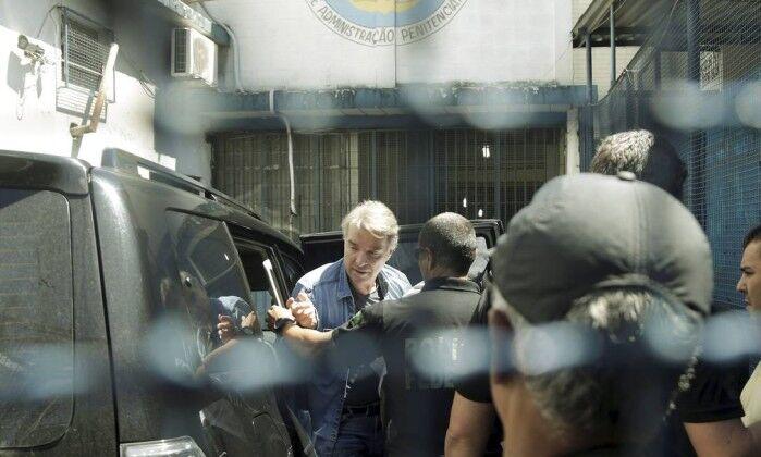 Como é a cela em que Eike Batista está preso?