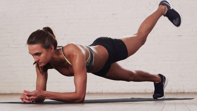 O que acontece com seu corpo se você começar a fazer prancha todos os dias?