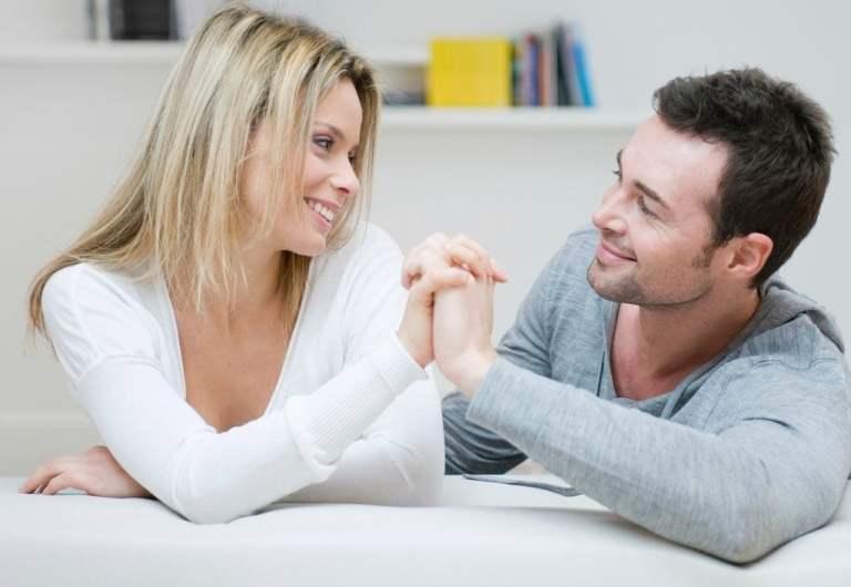 8 coisas que todo casal faz (sem exceções)