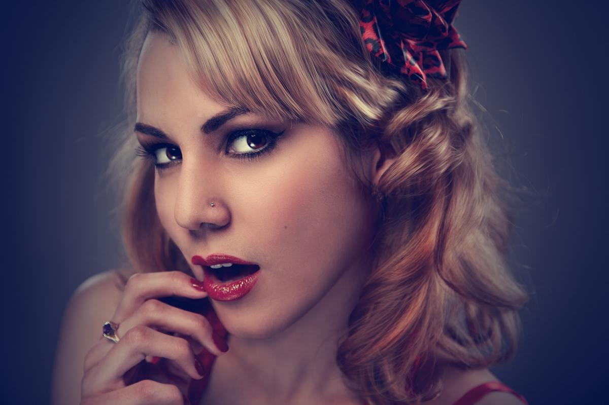 Studio Portrait Woman Face 37533, Fatos Desconhecidos