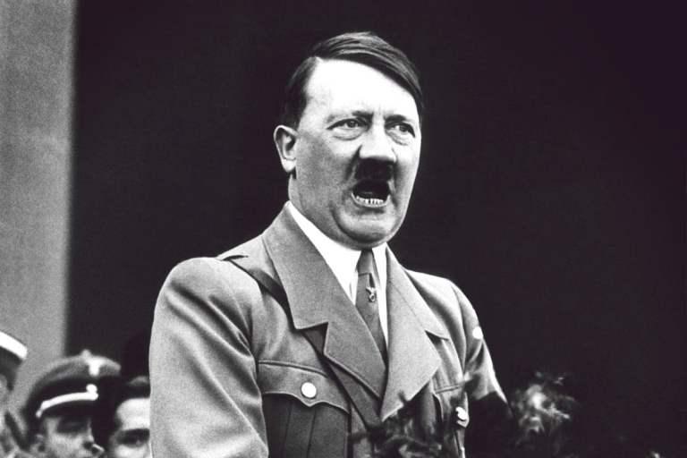 Por que Adolf hitler adotou o título de Führer?