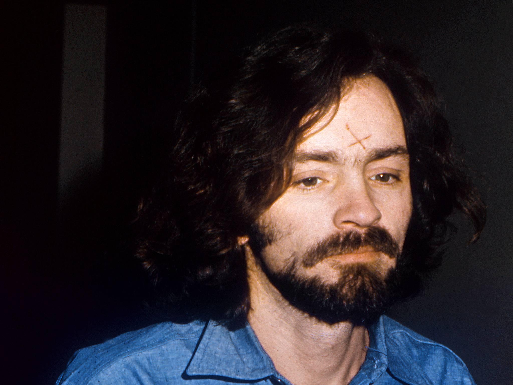 Conheça a história de Charles Manson, o serial killer mais sanguinário já conhecido