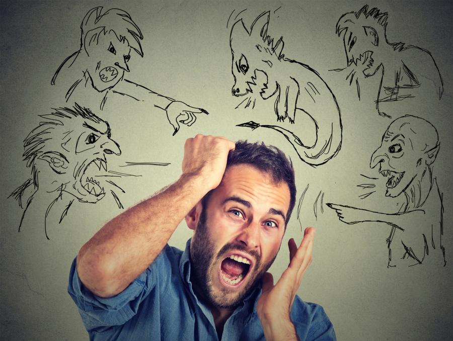 7 sinais de que você sofre de fobia social e não sabia