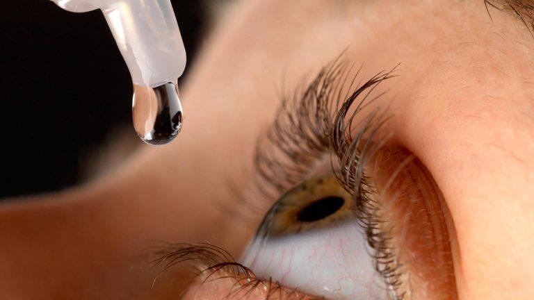 Grupo de cientistas criam colírio que promete curar miopia e outras doenças