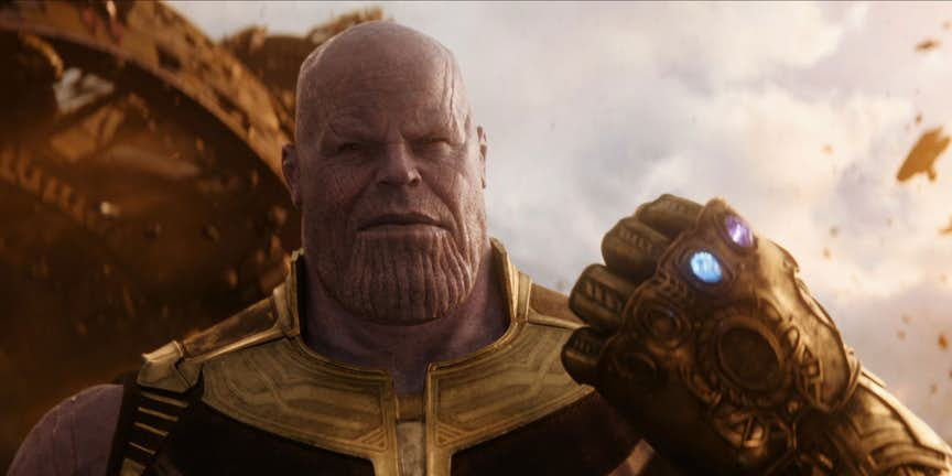 Avengers Infinity War Thanos Makes Fist In Infinity Guantlet Feat, Fatos Desconhecidos