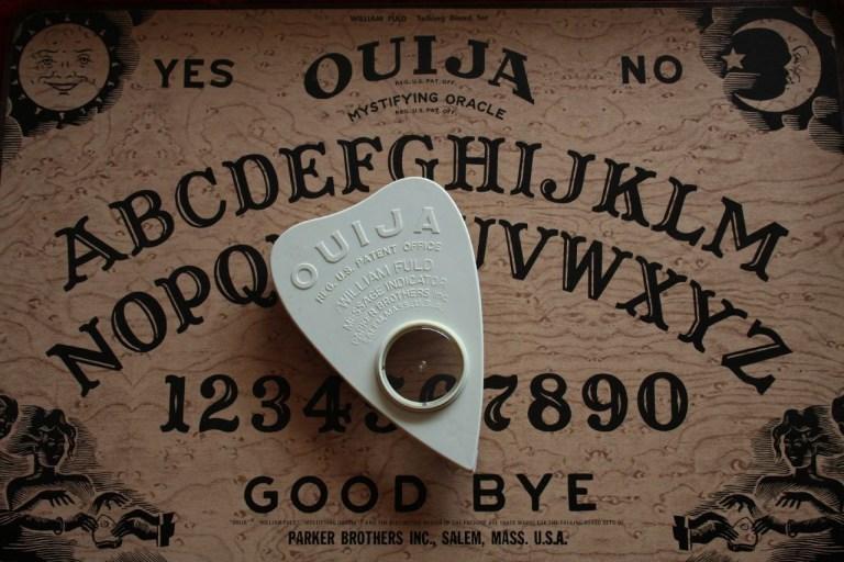 A verdade jamais contada sobre o Tabuleiro de Ouija