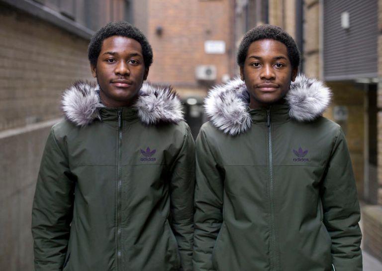 Ensaio de gêmeos idênticos mostram as diferenças entre eles