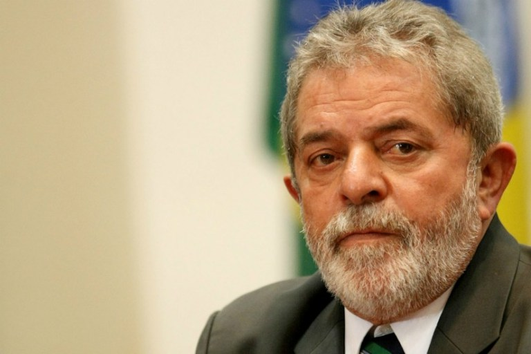 O que acontece se o ex-presidente Lula não se entregar à Polícia Federal?
