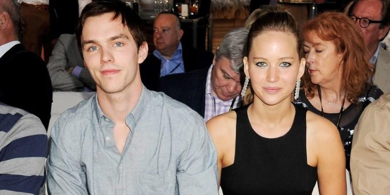 7 coisas que você não sabia sobre o relacionamento de Jennifer Lawrence e Nicholas Hoult