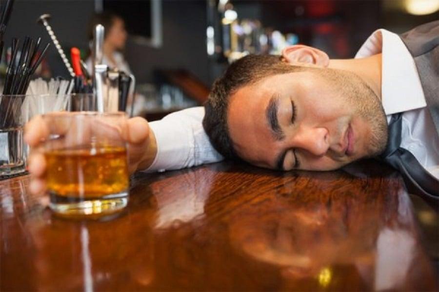 Conheça a doença que pode te deixar bêbado ao comer doces e carboidratos