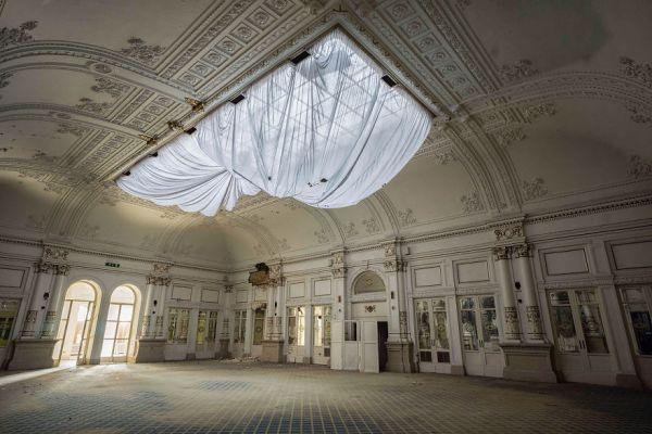 Abandoned Hotel In Italy 2015 5b1526c7d8f16  880 600x400, Fatos Desconhecidos