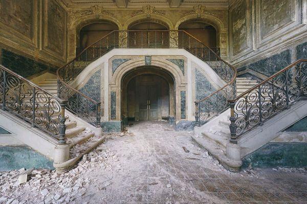 Abandoned Castle In France 2015 5b1526121fc8e  880 600x400, Fatos Desconhecidos