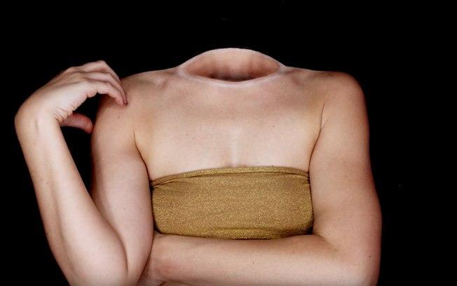 """Essa mulher consegue ficar """"invisível"""" usando apenas truques de maquiagem [vídeo]"""