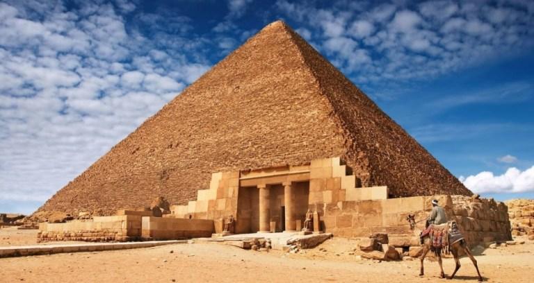Pirâmide de Gizé concentra força estranha em seu interior
