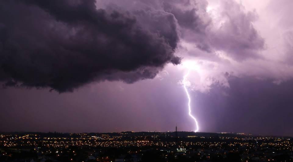 Antimatéria pode ser gerada por tempestades, entenda