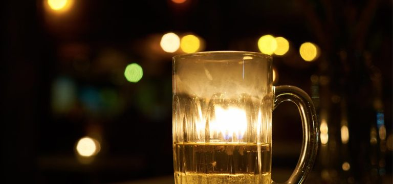 Por que você apaga quando bebe demais?
