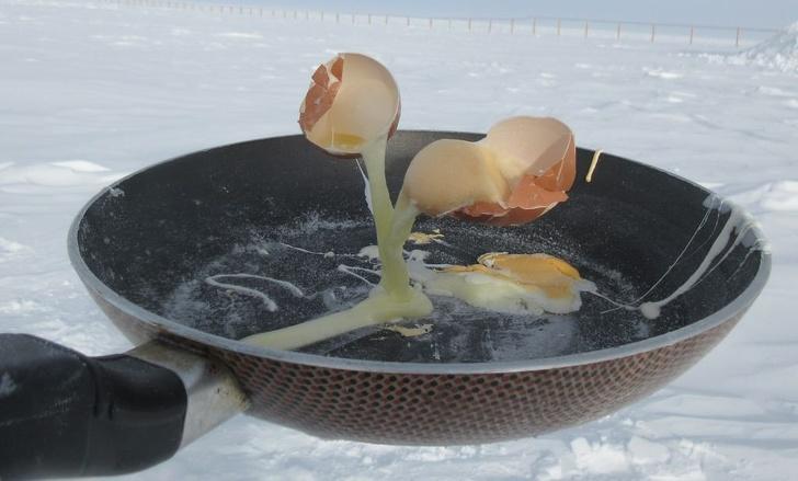Cientista mostra como é cozinhar a -78° C