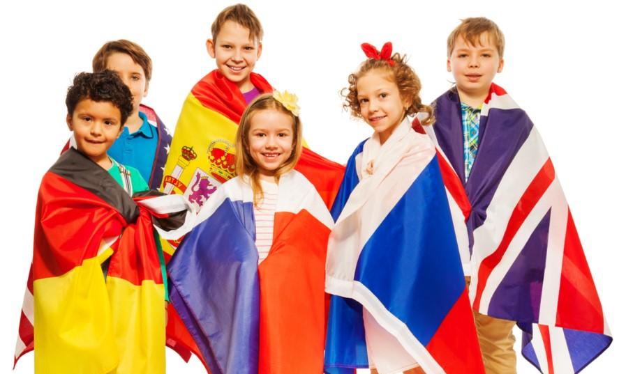 Tente acertar a que país cada uma dessas 10 crianças pertence [Quiz]