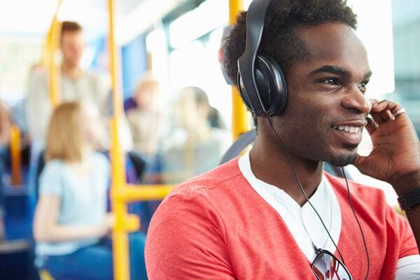 Fones De Ouvido Podem Prejudicar Audição 600x400, Fatos Desconhecidos