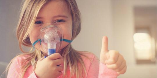 Balconista compra medicamento com seu próprio dinheiro para salvar vida de garoto com asma