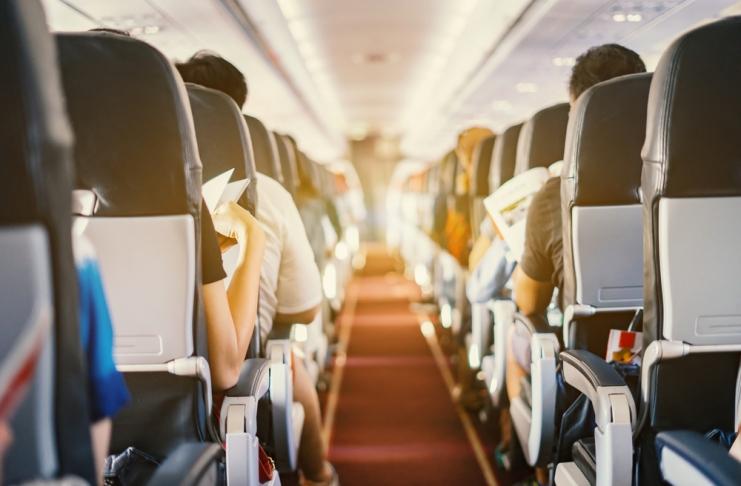 Ela pediu a um estranho trocar de lugar no avião e isso mudou a vida dele para sempre