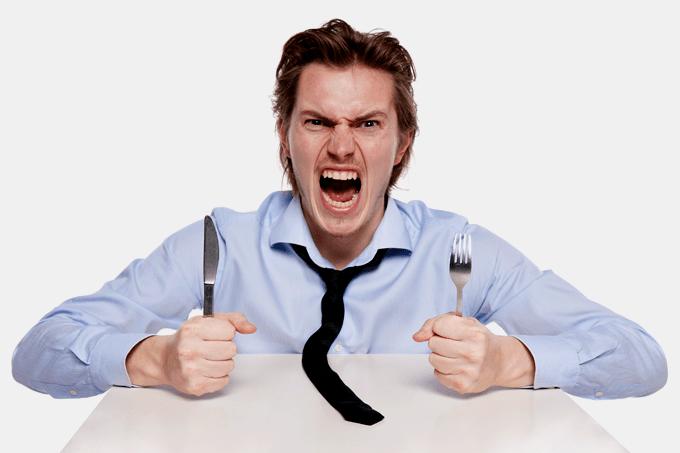 Entenda o motivo de você ficar agressivo quando está com fome