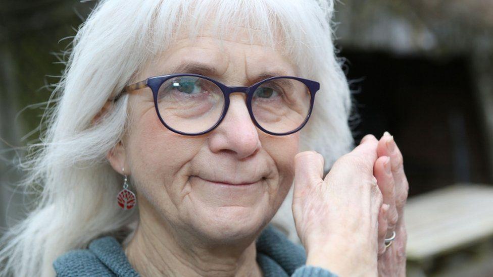 Mulher dá relato sobre como é viver sem sentir dor durante 71 anos