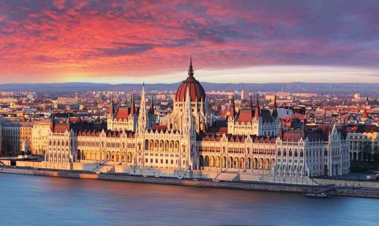 7 lugares que você precisa conhecer quando for à Budapeste