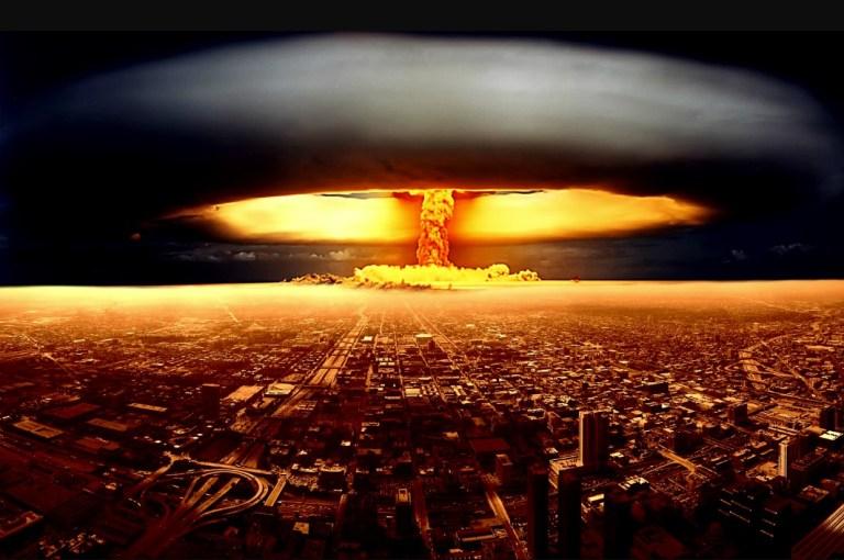 Isso é o que você deveria fazer se uma bomba nuclear explodisse perto de você