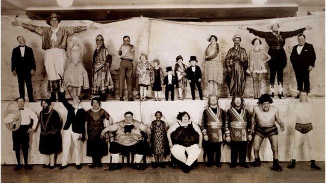 A mulher que aceitou trabalhar em um circo de horrores para alimentar seus filhos