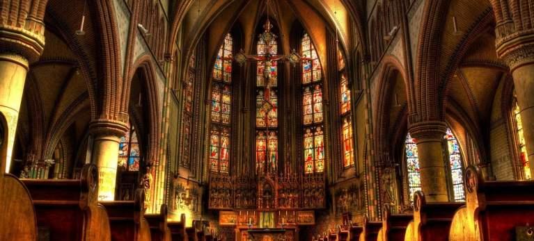 Quem fundou a igreja católica?