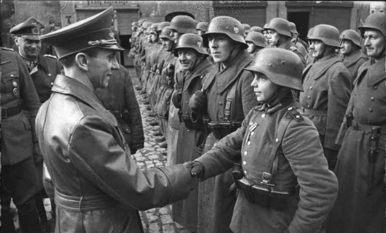 7 judeus que lutaram no exército nazista