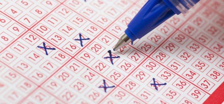 7 vezes que pessoas quebraram as regras para ganhar na loteria